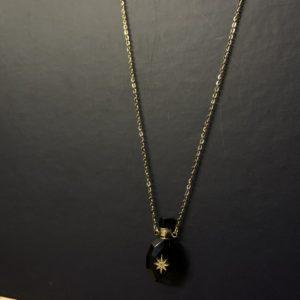 Collier diffuseur de parfum noir jade et lisa