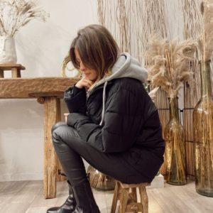 Doudoune Jadou noire à capuche grise - Jade & Lisa