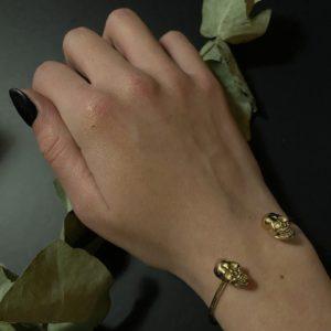 Bracelet tête de mort doré jade et lisa