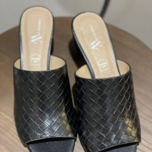 Mules Noires Vanessa Wu - Jade & Lisa