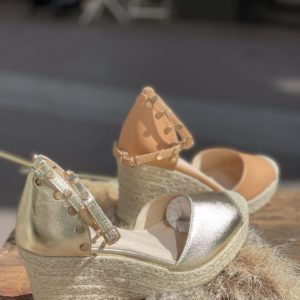 Espadrilles compensées cloutées Terracotta ou dorées - Jade & Lisa