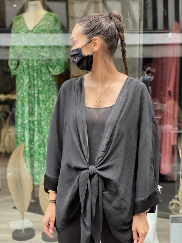 Kimono satiné noir Jade et Lisa
