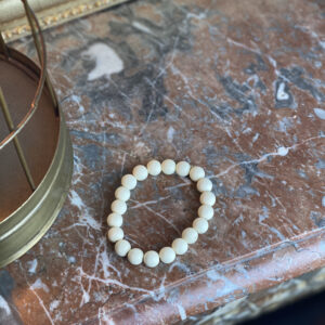 Bracelets en perles mates crème jade et lisa