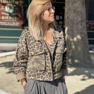 Veste courte léopard / militaire Jade et lisa